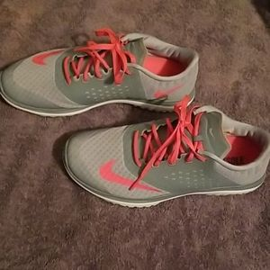 Nike fitsole shoes